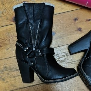 Candies heeled harness boots